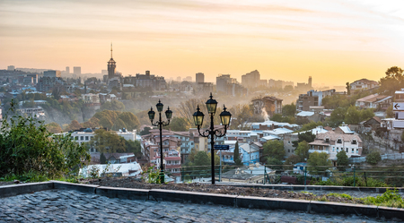 encendedores: beautiful sunset view of Tbilisi from Narikala Fortress in Georgia Foto de archivo