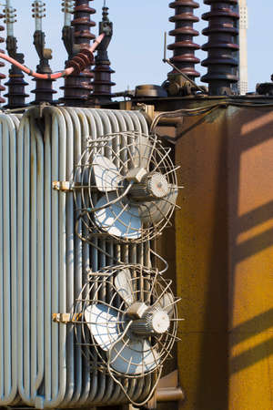 watts: Hig voltage transformer with fans and ceramic isolation