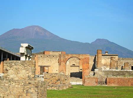 Ancient ruins of Pompeii and volcano Vesuvius, Italy Stock Photo - 12609408