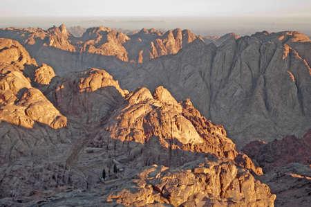 monte sinai: Panorama de las rocas de tierra santa Monte Sina� en la ma�ana