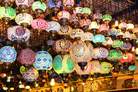 Turkish lamps for sale in the Grand Bazaar, Istanbul, Turkey Imagens