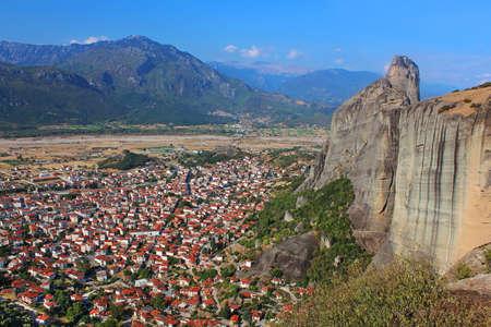kalampaka: Kalampaka Town and the rock, Meteora, Greece
