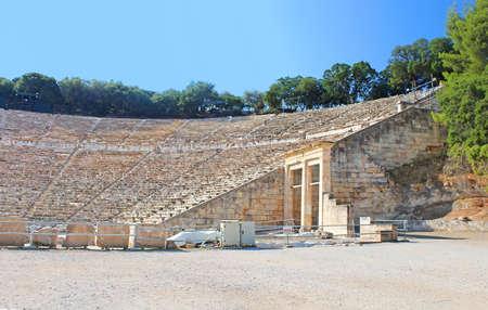 teatro antiguo: Antiguo teatro de Epidauro Grecia Foto de archivo