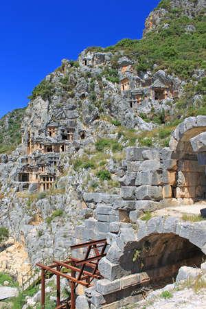 tumbas: Tumbas licias antiguas en Myra Turquía