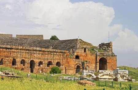 past civilization: Part of ancient amphitheater near Pamukkale in Hierapolis, Turkey