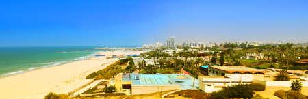 Mediterranean sea and beach on a sunny day in Ashkelon, Israel. Panorama. Banner 版權商用圖片