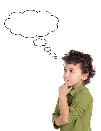 ni�os pensando: Adorable muchacho pensando a en fondo blanco