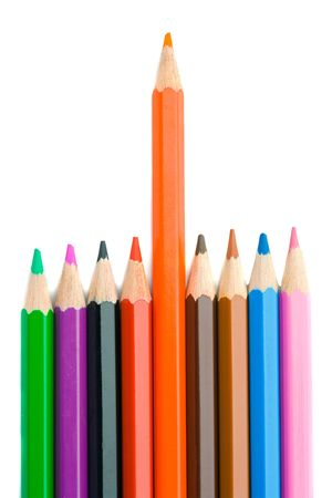 Joint crayons aligned with the orange leaving photo