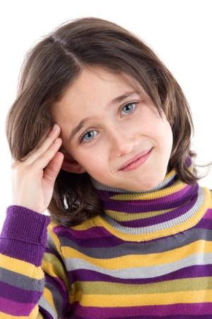 fieber: Adorable girl whit Kopfschmerzen auf einem wei�en Hintergrund �ber