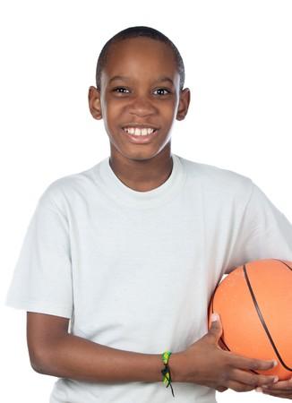 enfant qui joue: Adorable enfant qui joue le basket-ball sur fond blanc
