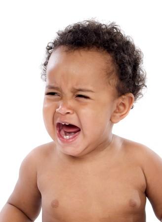 ni�o llorando: Adorable beb� llorando sobre un fondo blanco