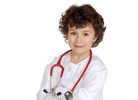 profesiones: Adorable ni�o con ropa de m�dico aislado en blanco