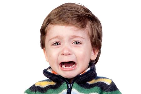 occhi tristi: Beautiful baby pianto isolato su sfondo bianco