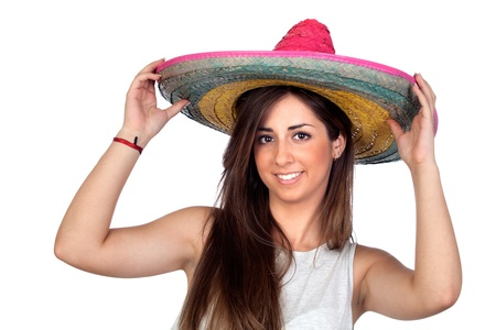 trajes mexicanos: Chica atractiva con un sombrero mexicano sobre fondo blanco