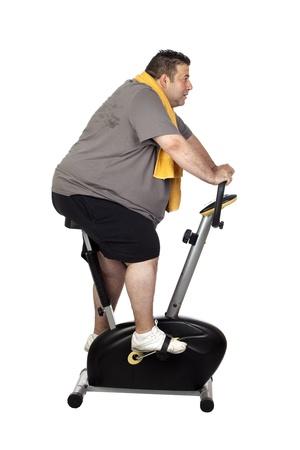 cuerpo hombre: Hombre gordo deporte jugar aislado en un fondo blanco