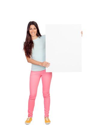 Aantrekkelijk meisje met lege plakkaat geïsoleerd op een witte achtergrond Stockfoto