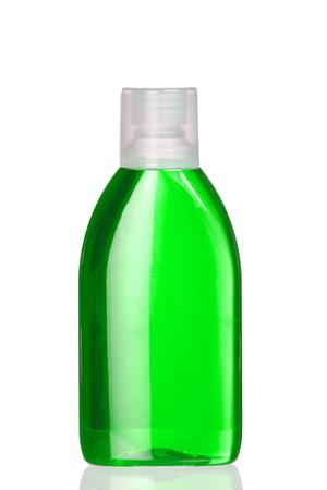 enjuague bucal: Barco enjuague bucal verde aislado en el fondo blanco