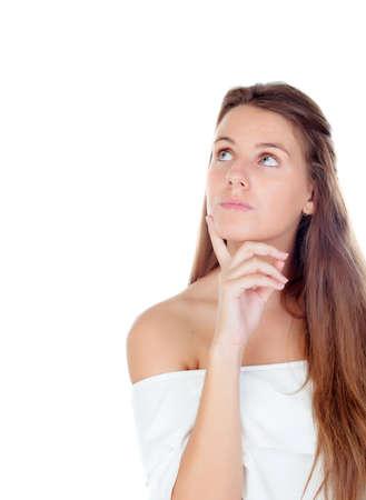 personas pensando: Enfriar chica rubia pensamiento aislado en un fondo blanco