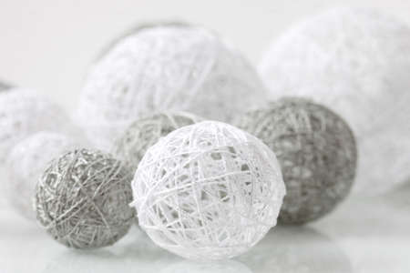 weave ball: Delicate handmade balls with fine thread for decoration