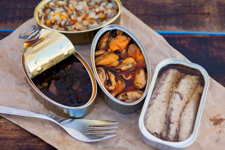 缶詰の異なる缶です。健康的な食事 写真素材