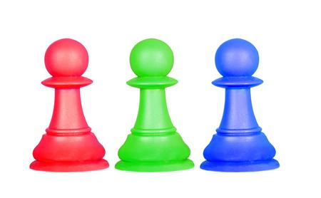 色のポーンは、白い背景で隔離チェスの駒