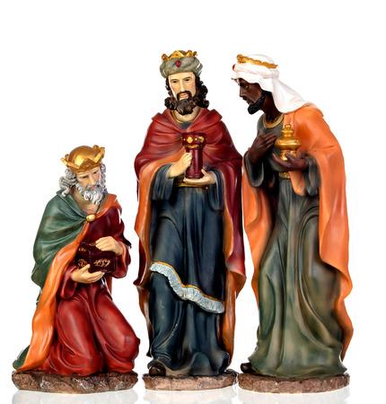 Les trois hommes sages. Chiffres en céramique isolés sur fond blanc