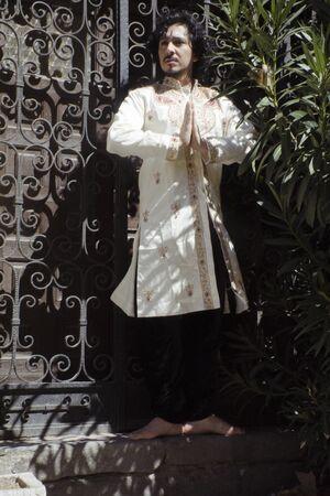 Bollywood dancer man over urban background Standard-Bild - 131774930