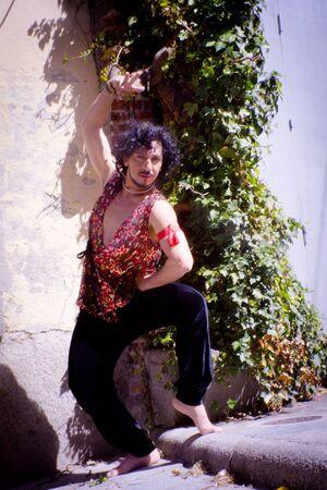 Bollywood dancer man over urban background Standard-Bild - 131774969