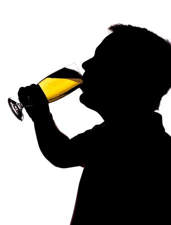 man drinkt bier: man bier drinken