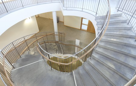 stair well: Staircase