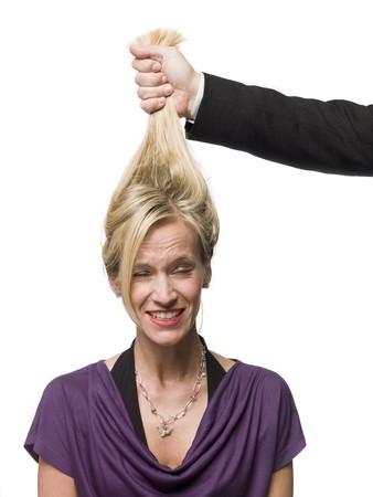 Haare ziehen mann