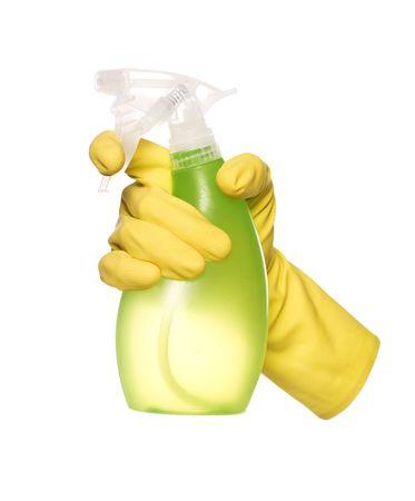 spr�hflasche: Gelbe Schutz-Glove halten eine Spr�hflasche