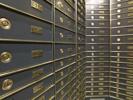 caja fuerte: Los cuadros de filas de lujosa caja fuerte en un dep�sito de Banco