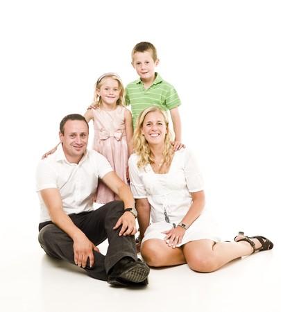 Famille isolée sur fond blanc