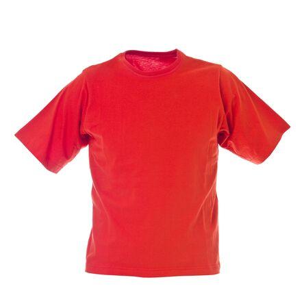 full red: T-shirt rossa isolato su sfondo bianco