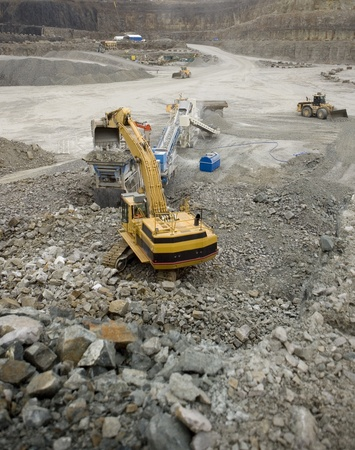 Work in an Pit Mine industry Stock Photo - 12271990