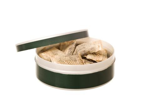 tabaco: Caja de tabaco aisladas sobre fondo blanco Foto de archivo