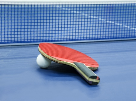 tischtennis: Tischtennis Stillleben mit Tiefenschärfe Lizenzfreie Bilder