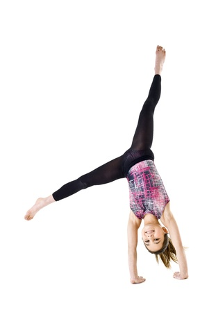 gimnasia: Chica de Gimnasia joven aislado en fondo blanco
