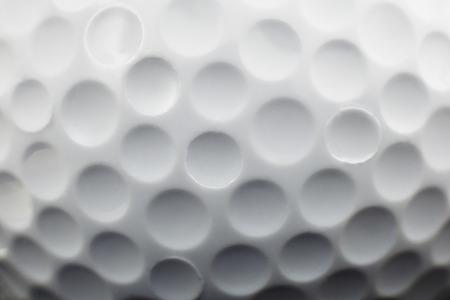 Golf ball: Cierre de vista que muestra hoyuelos en una pelota de golf Foto de archivo