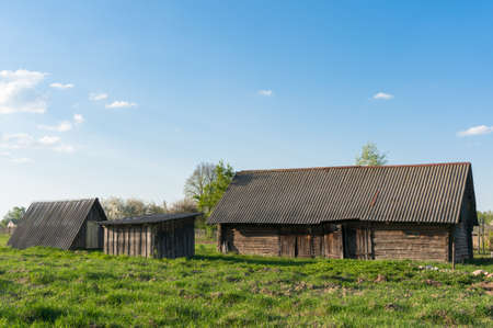 non urban: Old barn in the countryside