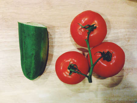 imagines: Fresh cucumber and tomatoes