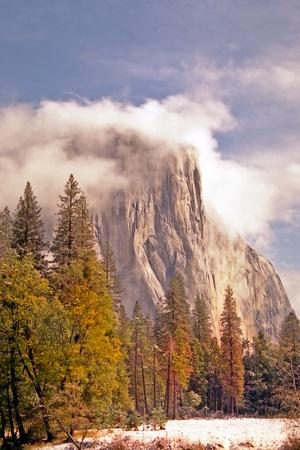 El Capitan in Yosemite Valley, California, clearing after storm Zdjęcie Seryjne