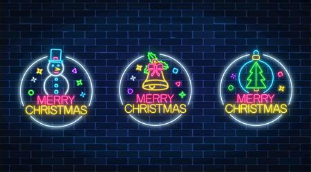 Ensemble de trois illustrations de Noël dans un style néon. Trois panneaux de vacances dans des cadres circulaires avec bonhomme de neige, arbre de Noël et cloche. Illustration vectorielle.