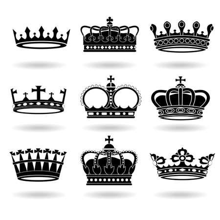 corona reina: Conjunto de coronas aisladas sobre fondo blanco