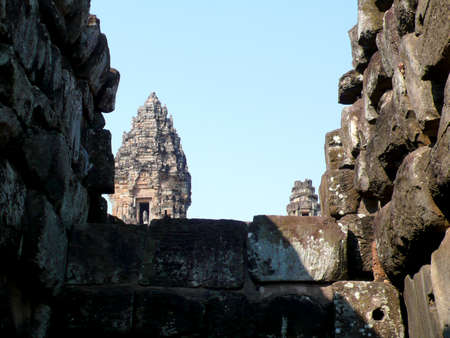 siem reap: Ancient Temple ruins in AngKor, Siem Reap, Cambodia