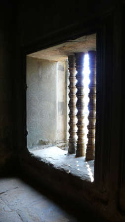 cambodge: Window of Ancient Temple in AngKor, Siem Reap, Cambodia