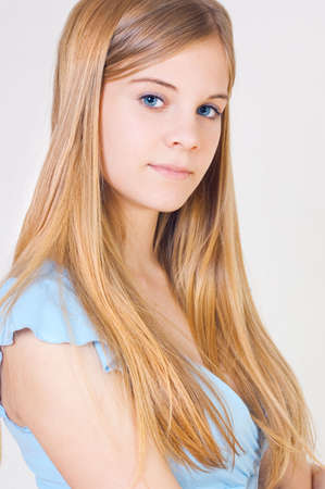 teener: Portrait of the girl of the teenager with a fair hair