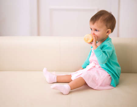 sucks: Kid and a half months of age sucks bottle