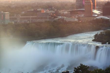 Niagara falls at sun rise Фото со стока